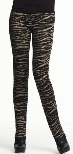 Into the wild #skinnyjeans #pants #macysfallstyle