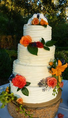 rustic wedding cake with fall color motif