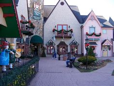 The Incredible Christmas Place~ Pigeon Forge TN