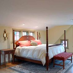 Bedroom With Wide Pine Flooring.Very Simple but beautiful! New England Style, New England Homes, Colonial Bedroom, Home Bedroom, Bedrooms, Primitive Bedroom, Pine Floors, Attic Spaces, American Country