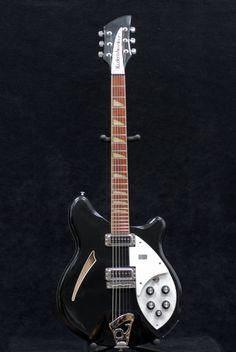 Rickenbacker 360 Black