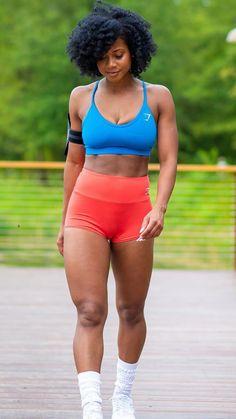 IG: toningtoni #Athleisure #WomensFashion #Athleticwear #SportyOutfits #Gymwear #Womens #Autumn2020 #Winter #FallFashion #Trendy #FitnessOutfits #Gym #Seamless #Gymshark #Workout #Style #AW20 #Fashion
