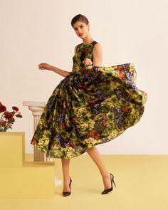 9cd9533ca36 Descubre los encantadores vestidos de Dolce   Gabbana otoño 2018