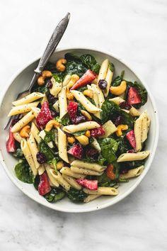 Strawberry Spinach Pasta Salad with Orange Poppy Seed Dressing | Creme de la Crumb | Bloglovin'