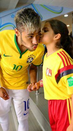 She is so lucky 😭 Neymar Football, Sport Football, Eminem, Football Wallpaper Iphone, Neymar Jr Wallpapers, Neymar Brazil, Older Men, Neymar Pictures, Football Players