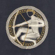 Palickováni 3 - Mary Moya - Picasa Web Albums Bobbin Lacemaking, Bobbin Lace Patterns, Lace Heart, Victorian Lace, Lace Jewelry, Needle Lace, Lace Making, Lace Collar, String Art