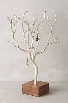 Twig Jewelry Tree .......  #GreenLiving #OffTheGrid #Natural #ReclaimedWood #Handmade #UPcycled #BohemianSpirit #JewelryTree Wood Jewelry Display, Earring Display, Jewelry Stand, Art Deco Jewelry, Jewellery Storage, Jewellery Display, Diy Jewellery, Jewellery Earrings, Jewellery Making