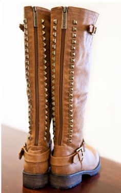 Dusty Road Studded Boots – Tan
