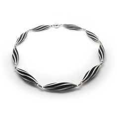 Sarah Herriot - Large Silver Twist Necklace - ORRO Contemporary Jewellery Glasgow - www.ORRO.co.uk