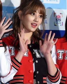 she's so beautiful #btstwice #twice #bangtanboys #jin #jhope #jimin #jungkook #v #taehyung #suga #rapmonster #tzuyu #nayeon #jihyo #jungyeon #momo #mina #sana #dahyun #chaeyeoung #moseok #jina #yoogyeon #namhyo #taesana #tzukook
