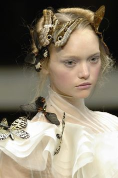 bohemea:    Gemma Ward - Alexander McQueen Paris Fall 2006