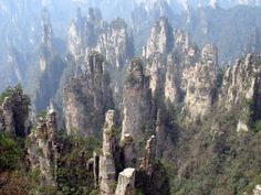 Image from http://chinablog.cc/wp-content/gallery/scenic_china/Karst/2-wu-ling-yuan.jpg.