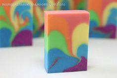 """Мыло """"с нуля""""  """"Rainbow"""" сделано холодным способом. Аромат: отдушка """"Оближи меня"""""""