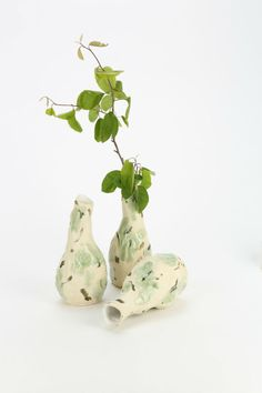 Jessica Hans makes beautifully misshapen vases (Read more)