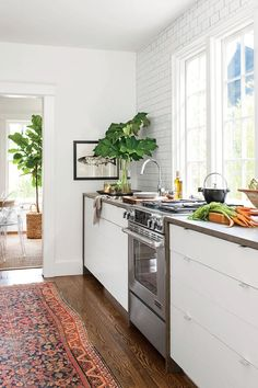 Tiny Kitchen Inspiration That You'll Want To Pin: Go for a Galley