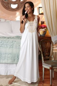 Sweet Isabella Gown for a romantic and comfy nights sleep  #garnethill #summerstyle