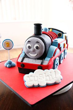 Thomas the train cake Fondant Cakes, Cupcake Cakes, Kid Cakes, Thomas And Friends Cake, Bake A Boo, Cool Birthday Cakes, 2nd Birthday, Birthday Parties, Biscuit