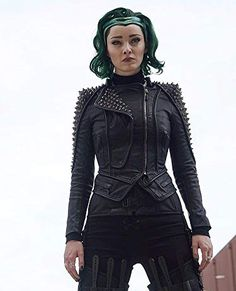 Emma Dumont at an event for The Gifted Marvel Dc Comics, Marvel Heroes, Captain Marvel, Female Comic Characters, Marvel And Dc Characters, The Gifted Tv Show, Polaris Marvel, Emma Dumont, Marvel Gifts
