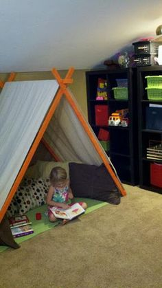 Easy Book Nook Tent created for the Kids playroom! I loved this plan as soon as I saw it. The only modification I made was I used a 4×16 8oz drop cloth up on over the center instead of curta…