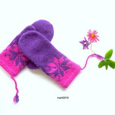 Ravelry: Februarvotter / Februar / February pattern by MaBe Crochet For Kids, Knit Crochet, Mittens Pattern, Hand Warmers, Knitting Projects, Ravelry, Knitted Hats, Knitting Patterns, February