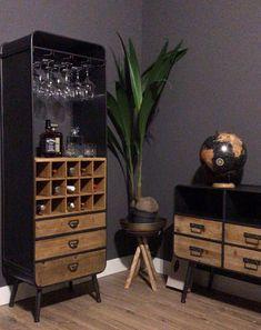Cigar Club, Vintage Industrial Decor, Wine Storage, Interior Accessories, Apartment Design, Liquor Cabinet, Sweet Home, New Homes, Interior Design