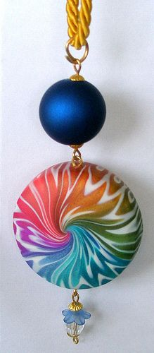 Pendant by kilo 1961 Polymer Clay Pendant, Fimo Clay, Polymer Clay Projects, Polymer Clay Creations, Polymer Clay Beads, Precious Metal Clay, Cute Clay, Clay Design, Clay Tutorials