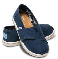 Get Women's, Men's and Kids Toms for up to 35% off (as low as $18.99). Plus, get FREE Shipping!