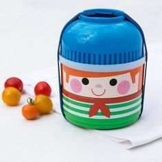 What a fantastic little snack box with 3 compartments & sooooo cute!