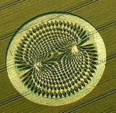 """so much has been reported on crop circles; some found to be fraudulent, and others remain a mystery. """"It is common sense that each should be initially investigated, in isolation and out-of-the-context of the large category: Crop Circles. Circle Art, Circle Design, Monte Fuji, Labyrinth, Ancient Mysteries, Ufo Sighting, New Energy, Ancient Aliens, Sacred Geometry"""