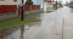 Vihar után, vízárban https://www.magyarendre.hu/vihar-utan-vizarban/ Vihar után nem ritka a nagy mennyiségű csapadék, amely akár az utcáról akár az udvarról ömlik a pincébe, de az is előfordulhat, hogy egy vízér egyszerűen utat talál magának a pincében #duguláselhárítás #esőviz #esővízelvezetés #vízelöntés #vízszivattyúzás