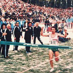 A 24 de Março de 1985, Carlos Lopes sagrava-se Campeão do Mundo de Corta-Mato pela 3.a vez. #SportingCP  On the 24th of March 1985, Carlos Lopes became the world cross country champion for the 3rd time.