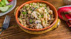 Looking for an easy Italian side dish or meatless main? Zatarain's® Parmesan Garlic Brown Rice Mix is the perfect plant-based starter. Starring sliced mushrooms, this hearty risotto is an easy way to enjoy extra veggies at any meal. Garlic Mushrooms, Stuffed Mushrooms, Stuffed Peppers, Green Bean Casserole, Rice Casserole, Apple Chicken, Spice Set, Mushroom Risotto, Seasoning Mixes