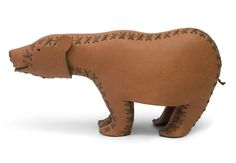 Bear Marcel 16x34x12 cm Skin made of nappa leather from cows, inside wool felt Laced by hand with cotton ribbons Available colours: braun, weiss