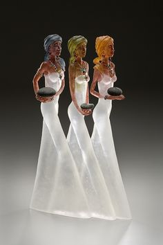 Glass sculpture by Leah Wingfield and Steve Clements. ~~This sculpture is extraordinarily beautiful! Art Of Glass, Glass Artwork, Statues, Fused Glass, Stained Glass, Cast Glass, Glass Figurines, Bronze, Glass Design