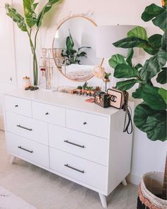 35 Amazingly Pretty Shabby Chic Bedroom Design and Decor Ideas - The Trending House Room Ideas Bedroom, Home Decor Bedroom, Bedroom Inspo, Bedroom Small, Tan Bedroom, West Elm Bedroom, Neutral Bedrooms, Bedroom Boys, Bohemian Bedroom Decor