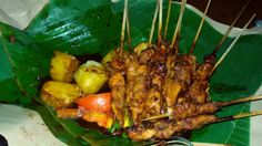 Sate Ayam Lontong