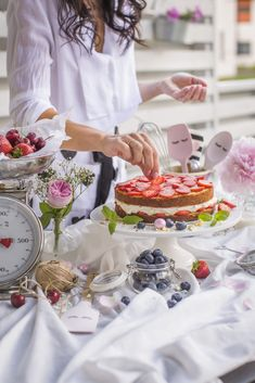 Yummy Cakes, Bakery, Table Settings, Anna, Table Decorations, Party, Desserts, Food, Ideas