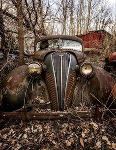 Super Ideas Old Cars Art Abandoned Places Abandoned Cars, Abandoned Places, Abandoned Vehicles, Vintage Trucks, Old Trucks, Pickup Trucks, Hudson Terraplane, Pompe A Essence, Rust In Peace