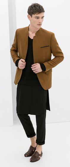 En 2014, Zara sort un pantalon-jupe (pantalon avec deux pans de tissu, un devant et un derrière).