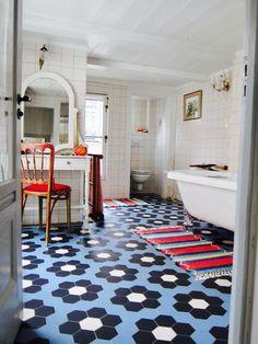 50 best of bathroom decor ideas for apartment best bathroom design ideas apartment therapy bedroom furniture . Dream Bathrooms, Beautiful Bathrooms, Small Bathroom, Master Bathroom, Gold Bathroom, Best Bathroom Designs, Bathroom Ideas, Bathtub Ideas, Suites