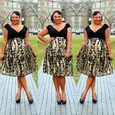 Look number 10 of my 12 Days of Holiday Outfit Series is Black & Gold! Love this dress from @igigistyle. Giving you old school realness. #psblogger #atgc12holidayoutfits #celebratemysize #honormycurves #curvynstyle2 #igigi #blackandgold #bbbg #fashionforwardplus