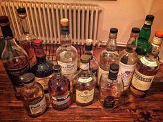 Dün gece harika bir grupla tanıştım Dünyanın dört bir yanına dağılmış eski dostlar senede 4 gün İstanbul'da buluşuyor viski tadıyor ve eski günleri anıyor. İskoçya Belçika İsviçre Hollanda Hindistan İrlanda'dan müthiş viskileri biraraya getirdikleri line up sayesinde daha önce tatmadığım Belçika viskisi Gouden Carolus gibi ilginç viskileri tatma imkanı buldum. Davet harika sohbet ve viskiler için çok teşekkürler @atil.ulas  Kapadokya'da görüşmek üzere