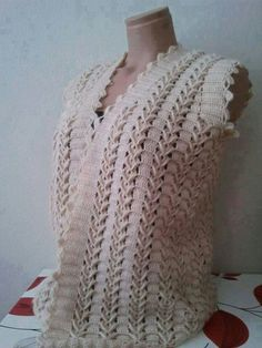 This Pin was discovered by Nev Crochet Tunic Pattern, Cardigan Pattern, Easy Crochet Patterns, Baby Knitting Patterns, Crochet Shawl, Crochet Top, Diy Crafts Knitting, Diy Crafts Crochet, Crochet Clothes