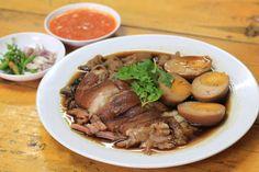 """""""ครัวราชวงศ์"""" ข้าวขาหมู-แกงใต้ อร่อยถึงใจ อาหารไทยเลิศรส"""