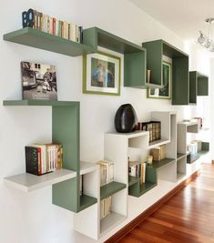 4 Surprising Useful Tips: Floating Shelves Under Tv Diy floating shelves fireplace house.Floating Shelf Display Offices how to decorate floating shelves in living room.Floating Shelf Above Bed Home. Bibliotheque Design, Home And Deco, Home Projects, Floating Shelves, Floating Wall, Furniture Design, Furniture Decor, Sweet Home, Room Decor