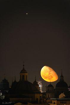 ikenbot:  Jupiter  Moon over Madrid