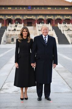 - Photo - All the images as First Lady Melania Trump joined husband President Donald Trump for an tour of Japan, South Korea, China, Vietnam and the Philippines. Melania Trump Pictures, Trump Photo, Brown Leather Skirt, Donald And Melania, First Lady Melania Trump, Melania Trump Dress, Thing 1, Cheongsam, Korean Outfits