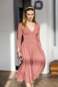 I love retro vibes from time to time. For example this retro dress in dash pink.  #riskmadeinwarsaw #polishbrand