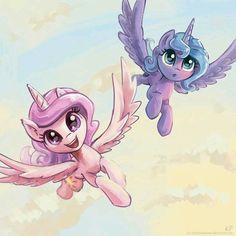 duas irmãs lindas e fofas a Celestia e Luna ^-^