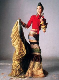 Haughty Couture «Tiered-and-trained skirt with snakeskin and taffeta.
